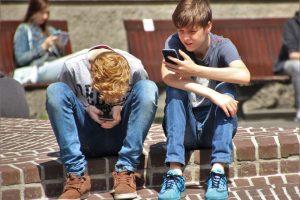 Zákazom internetu deti pred online groomingom neochránime.